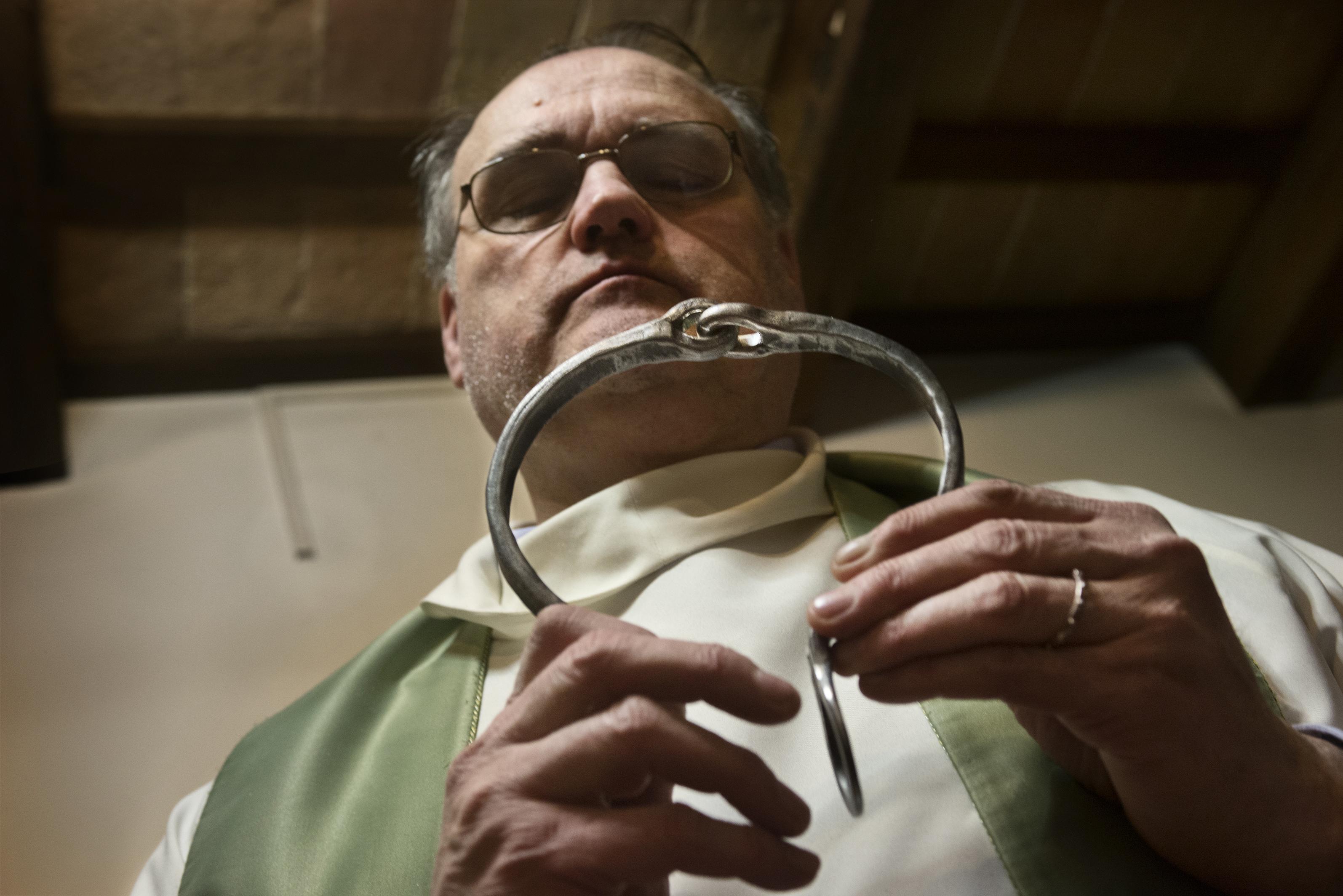 Das Halsband des Heiligen Vinicius (Foto: Max Intrisano)