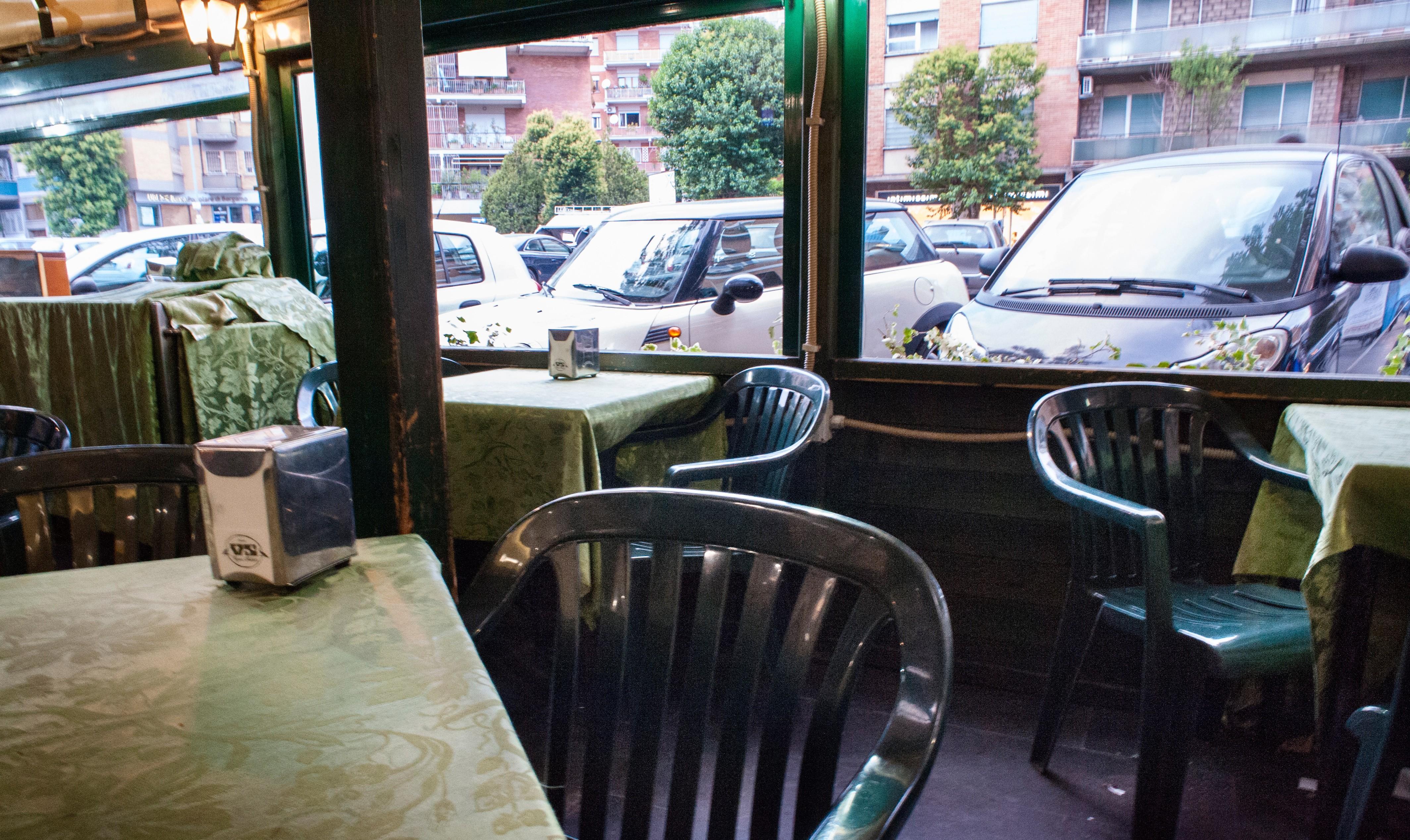 Treffpunkt der Bosse: Im Aussenbereich der Bar Vigna Stelluti besprachen sich Carminati und Co. (Foto: Max Intrisano)