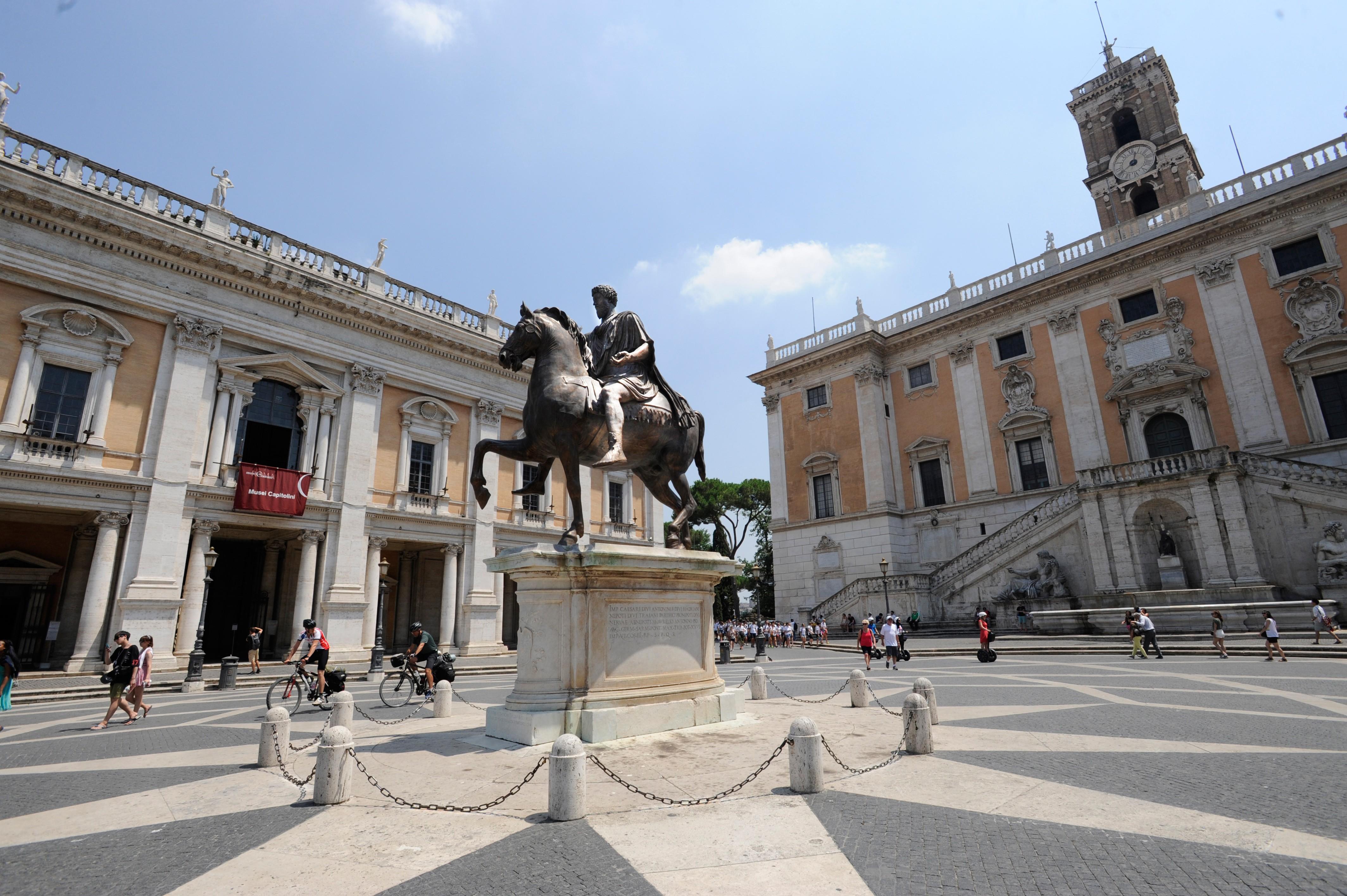 Aufräumen auf dem römischen Kapitol (Foto: Max Intrisano)