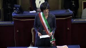Chiara Appendix mit Bürgermeister-Schärpe.