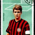 Gianni Rivera. Hier auf einer alten Briefmarke im Dress des AC Mailand.
