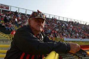 Nonno Ciccio im Stadion (Foto: Max Intrisano)