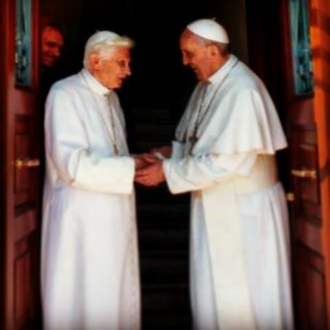 Benedikt XVI. und Franziskus. Ein Herz und eine Seele?